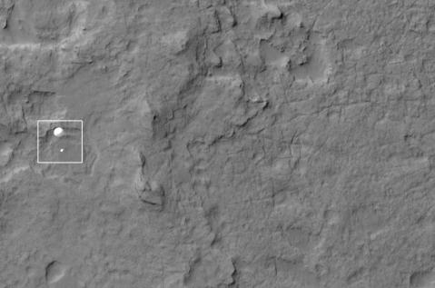 Image Credit: Credit: NASA/JPL/University of Arizona http://www.uahirise.org/releases/msl-descent.php